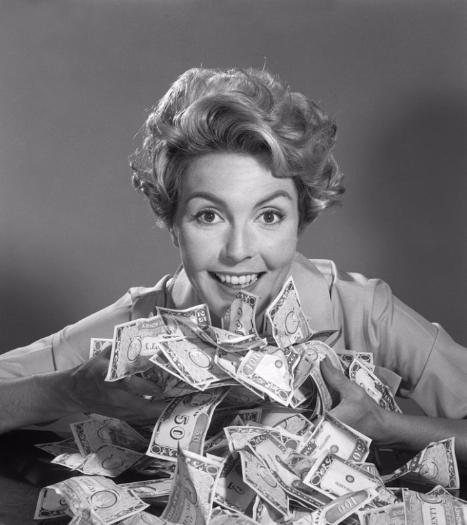 woman-with-money-c1950-60s-debrockeclassicstock